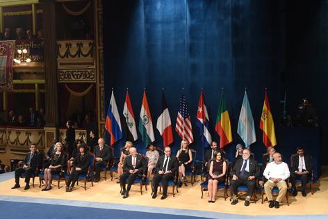 Foto de familia de los galardonados con los Premios Princesa de Asturias de 2015. Foto:  Iván Martínez (Fundación Princesa de Asturias)