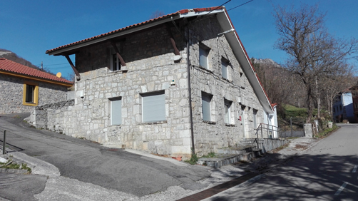 Antigua casa del médico de Campo de Caso