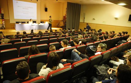 Charla sobre formación y emprendimiento en el Cislan