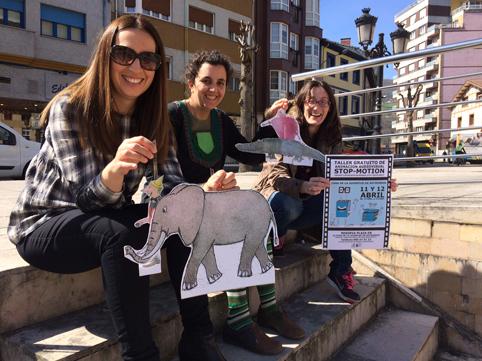 Presentación del Día del Libro con María Alonso (Cultura), Ana Laura Barros (Tras la Puerta Títeres) y Cintia Ordóñez (Juventud).