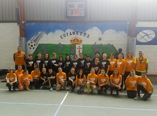 Participantes en el partido de fútbol solidario