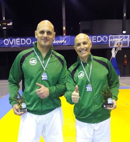 Iván Sánchez y Fernando Pévida, campeones de Asturias de kata.