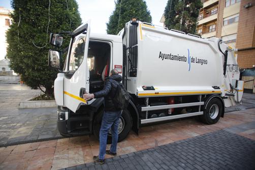 Nuevo camión de recogida de residuos del Ayuntamiento de  Langreo