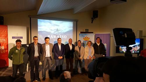 Representantes del Principado, los concejos por los que discurrirá la ronda española y Unipublic en la presentación, en Caso, de las etapas que discurrirán por el Principado