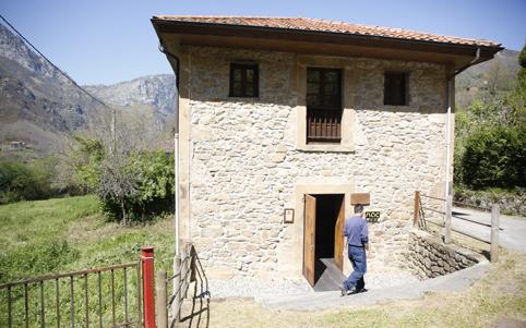 Exterior del museo de la apicultura en Tanes.