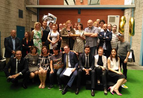 Foto de familia de los premiados del semillero de empresas de Valnalón.