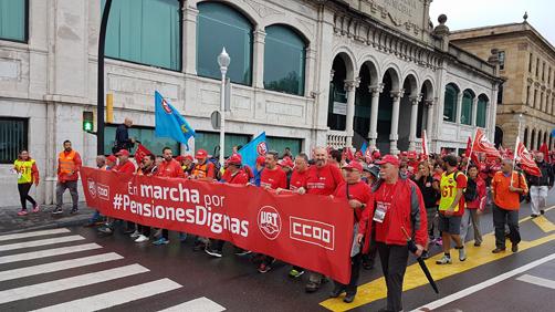 Cabecera de la marcha a su salida de Gijón.