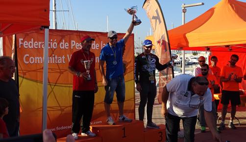 Adolfo Vega, en el primer cajón del podio como ganador del campeonato.