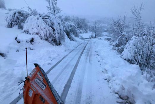 Estado de una de las carreteras de Sobrescobio.