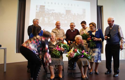 Homenaje a los mayores del concejo en la Fiesta de la Primavera de Sobrescobio. Foto: Monchu Calvo