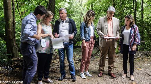 Visita de representantes de Cogersa y del ayuntamiento coyán a los terrenos donde se ubicará el punto limpio.