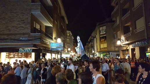 Procesión nocturna de la Virgen del Otero.