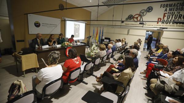 Presentación del libro biográfico sobre Marino Gutiérrez en el CIFP de Valnalón.