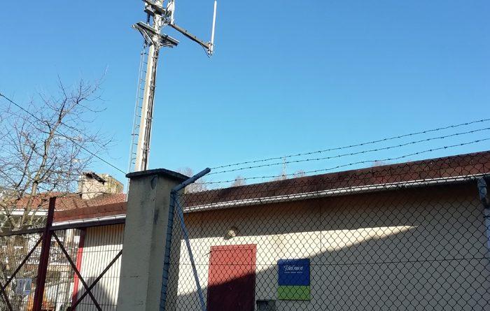 Telefónica se compromete a la sustitución de batería en la Central Telefónica de El Condao
