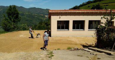 Trabajos de acondicionamiento en el Centro Social de Campomoyáu.