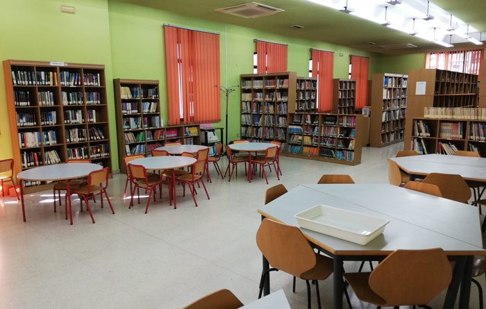 Biblioteca Escuelas Dorado de Sama.