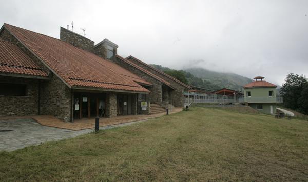 Centro de Interpretacion del Parque de Redes en Campo de Caso