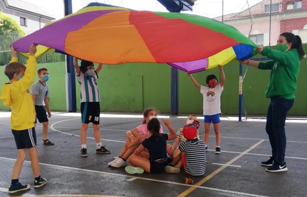 Niños y niñas del CP Eulalia Álvarez durante e Programa de Conciliación de la Vida Laboral y Familiar el pasado verano.