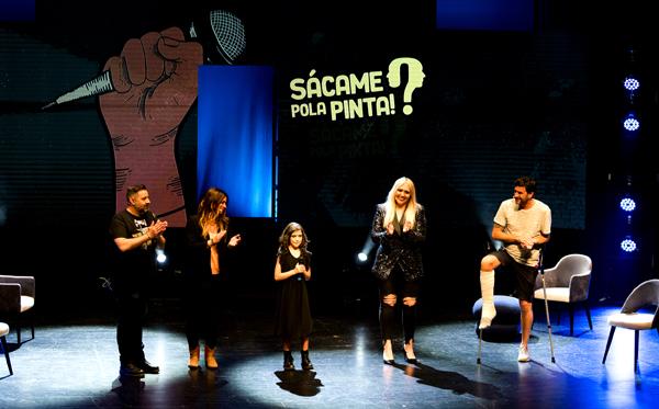 Naia García (en el centro) ganadora de la V Edición de Sácame Pola Pinta.