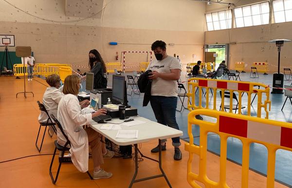 Vacunación a jóvenes de entre 20 y 30 años en San Martín.