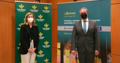 La presidenta de Asturgar SGR, Eva Pando, y el director general de Caja Rural de Asturias, Antonio Romero.