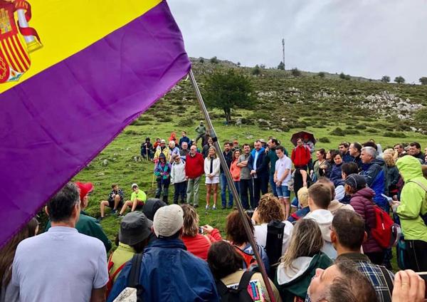 Acto de homenaje a las víctimas del Pozo Funeres.