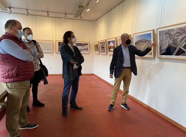 Inauguración de la exposición en la Casa de la Juventud de Sotrondio.