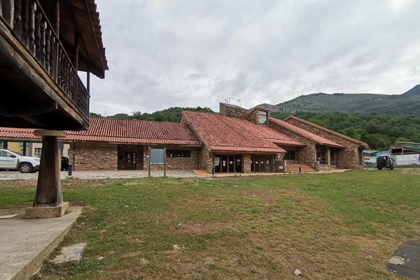 Centro de Interpretación del Parque Natural de Redes, en Campo de Caso.